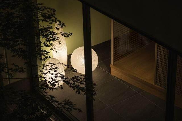 为山本耀司精品店操刀的大師,打造了这家极简酒店-13.jpg