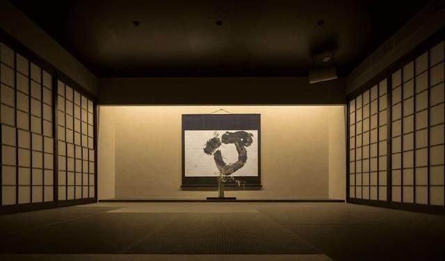 为山本耀司精品店操刀的大師,打造了这家极简酒店-24.jpg