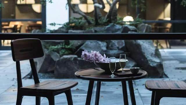 为山本耀司精品店操刀的大師,打造了这家极简酒店-31.jpg