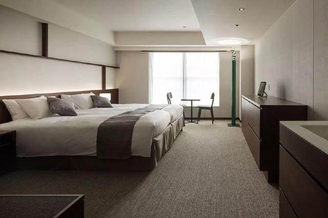 为山本耀司精品店操刀的大師,打造了这家极简酒店-33.jpg