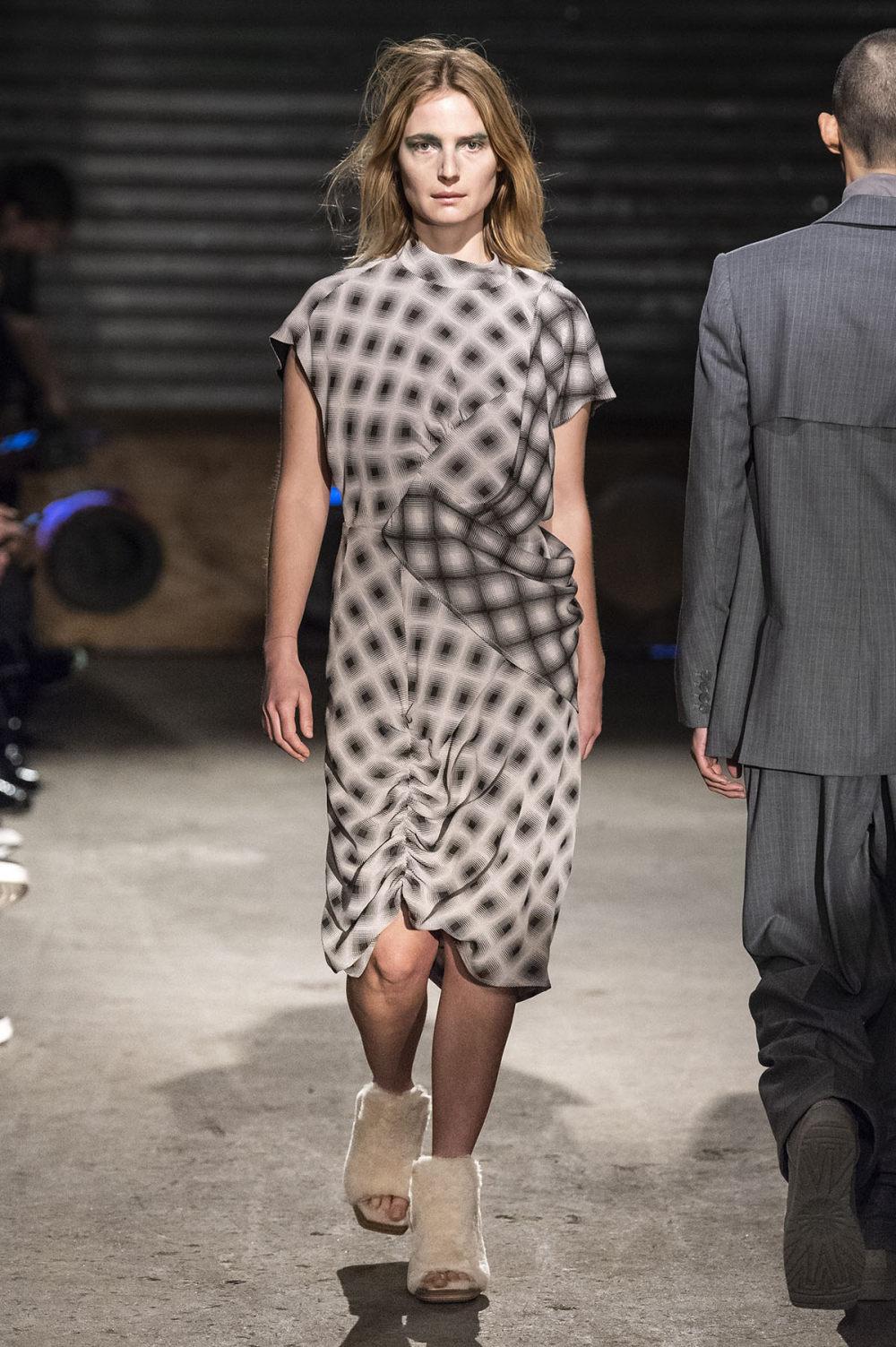 Eckhaus Latta时装系列采用了更加结构化的剪裁和图案提花-2.jpg