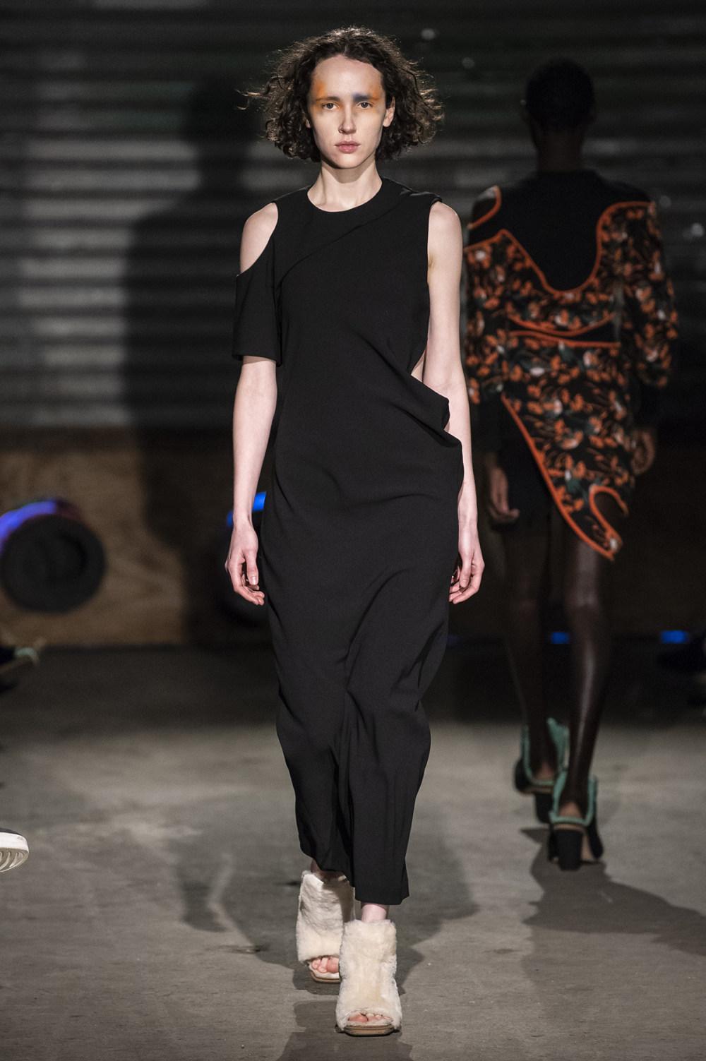 Eckhaus Latta时装系列采用了更加结构化的剪裁和图案提花-31.jpg