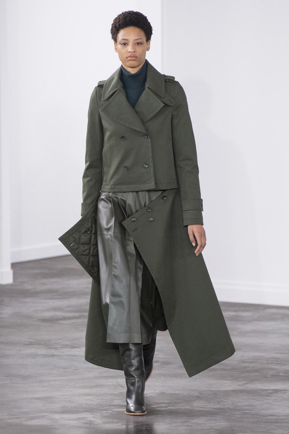 Gabriela Hearst时装系列细条纹西装和宽大毛衣之间形成鲜明对比-4.jpg