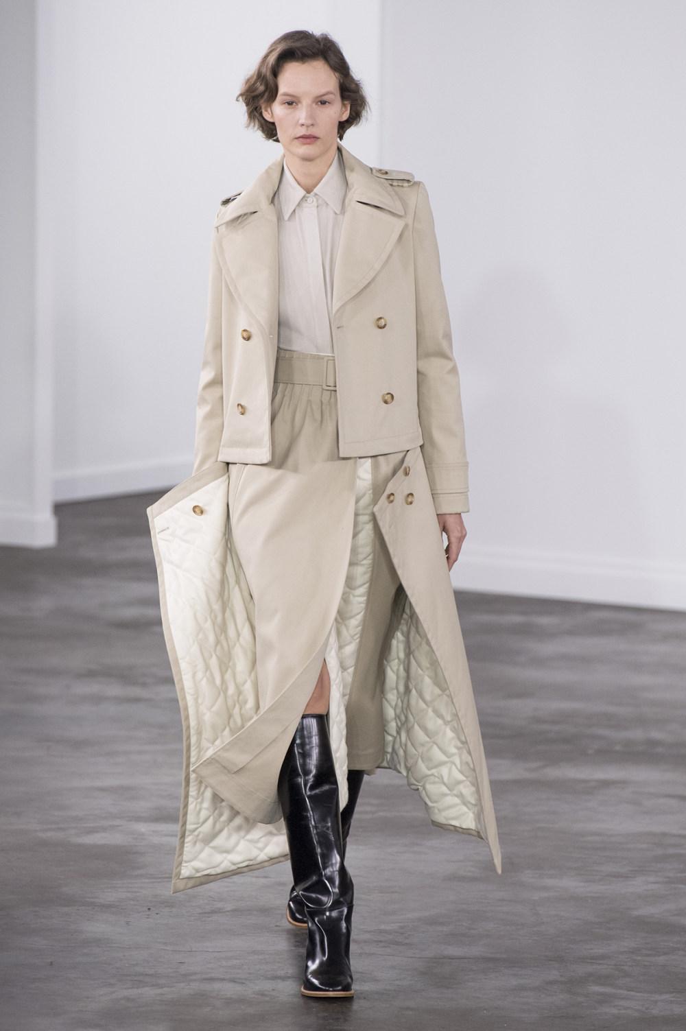 Gabriela Hearst时装系列细条纹西装和宽大毛衣之间形成鲜明对比-7.jpg