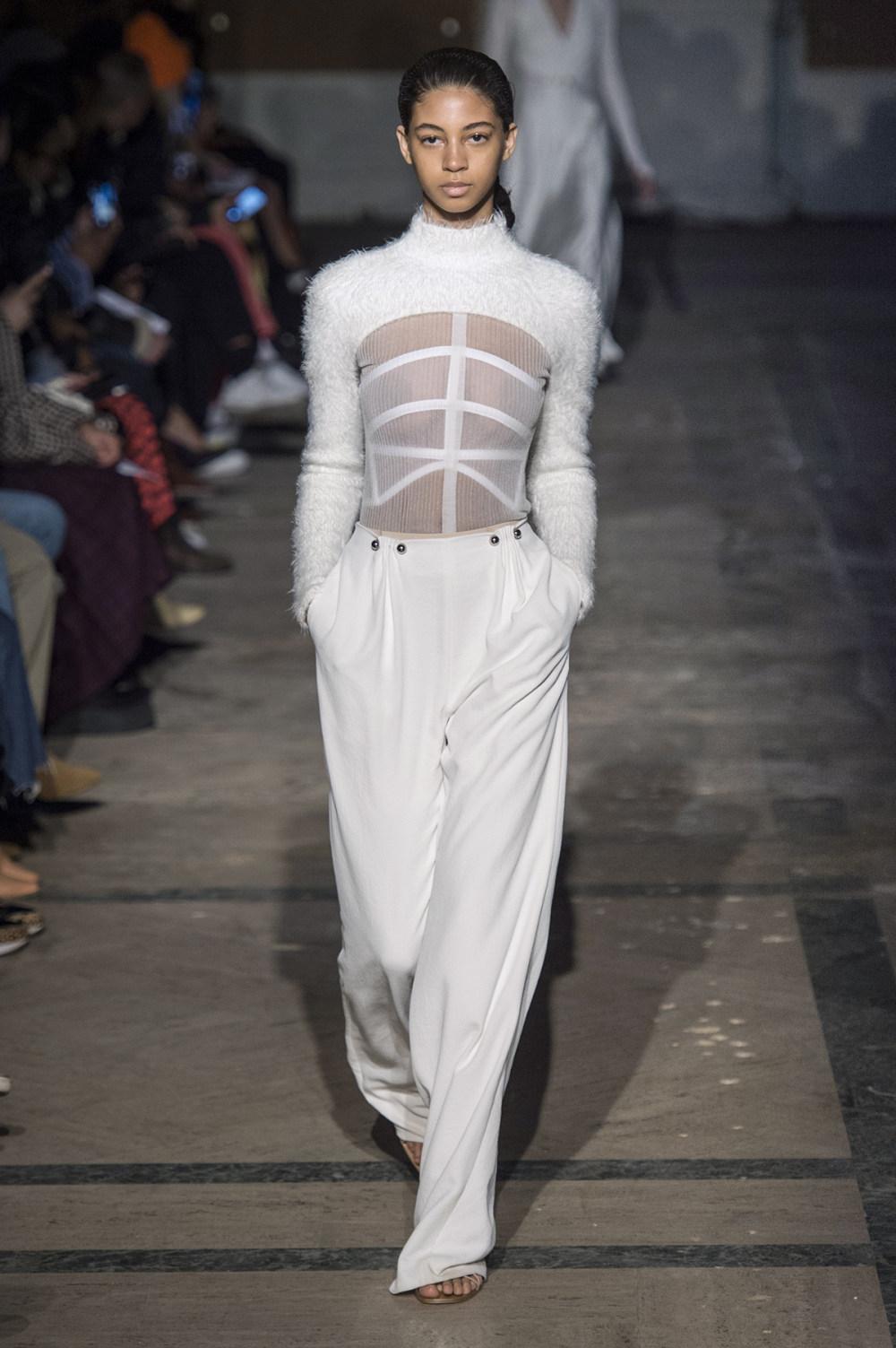 Dion Lee没有紧身衣的连衣裙被聚集或扭曲保持调色板的简约和奢华-9.jpg
