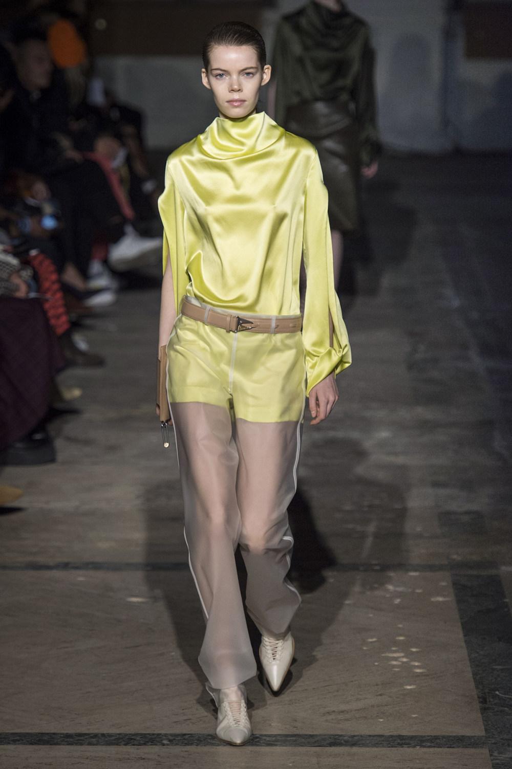Dion Lee没有紧身衣的连衣裙被聚集或扭曲保持调色板的简约和奢华-23.jpg