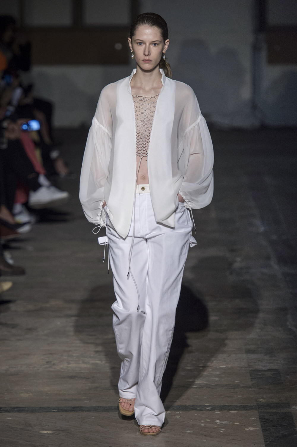 Dion Lee没有紧身衣的连衣裙被聚集或扭曲保持调色板的简约和奢华-30.jpg