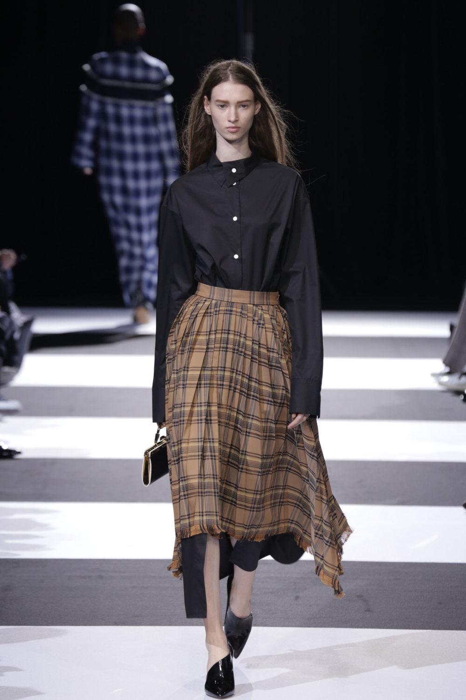 Cinoh服装系列女式长款流苏直筒裙搭配男式西装略带凌乱的精致-10.jpg