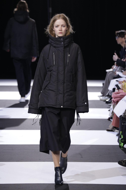 Cinoh服装系列女式长款流苏直筒裙搭配男式西装略带凌乱的精致-13.jpg