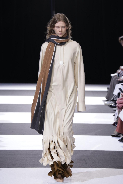 Cinoh服装系列女式长款流苏直筒裙搭配男式西装略带凌乱的精致-14.jpg