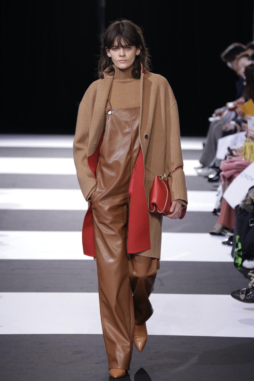Cinoh服装系列女式长款流苏直筒裙搭配男式西装略带凌乱的精致-19.jpg
