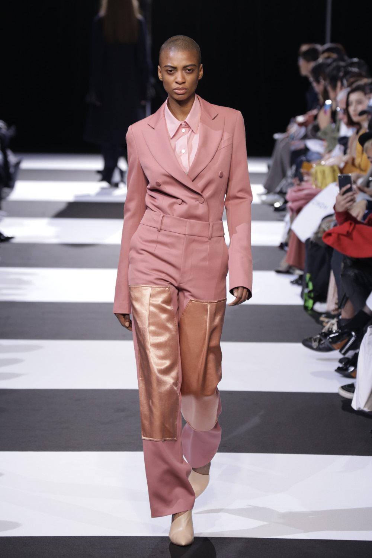 Cinoh服装系列女式长款流苏直筒裙搭配男式西装略带凌乱的精致-21.jpg