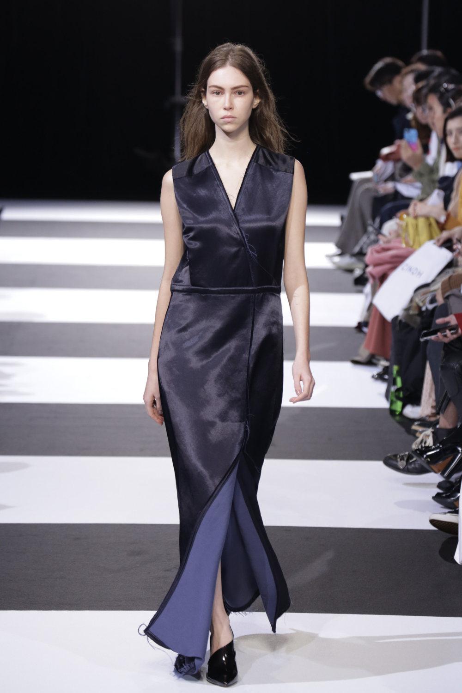 Cinoh服装系列女式长款流苏直筒裙搭配男式西装略带凌乱的精致-23.jpg