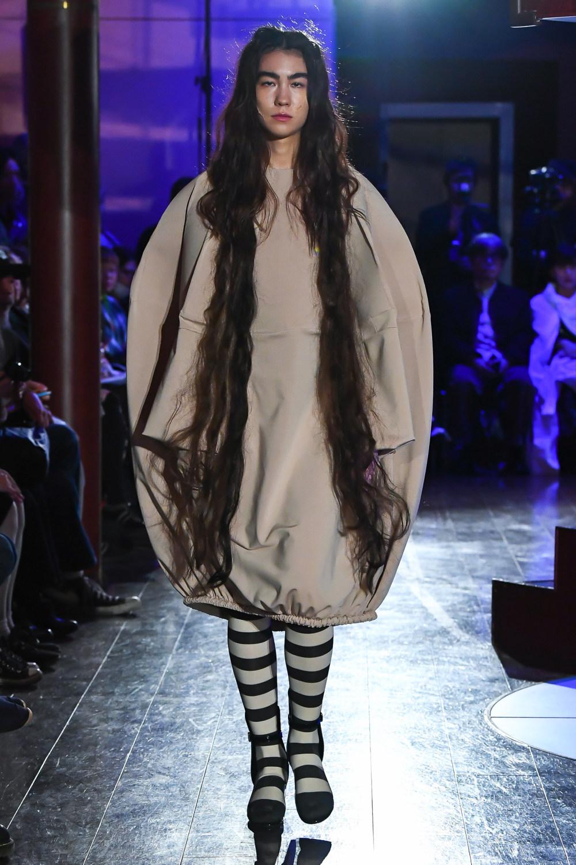 Jenny Fax时装系列搭配甜美柔和的蕾丝连衣裙搭配糖果条纹衬衫-1.jpg