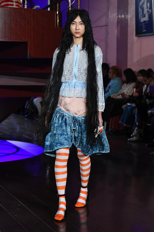 Jenny Fax时装系列搭配甜美柔和的蕾丝连衣裙搭配糖果条纹衬衫-8.jpg