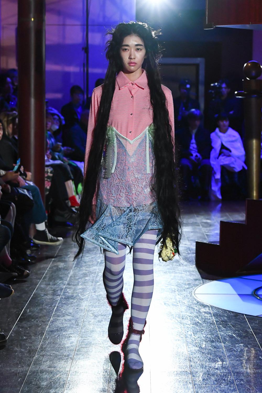 Jenny Fax时装系列搭配甜美柔和的蕾丝连衣裙搭配糖果条纹衬衫-12.jpg