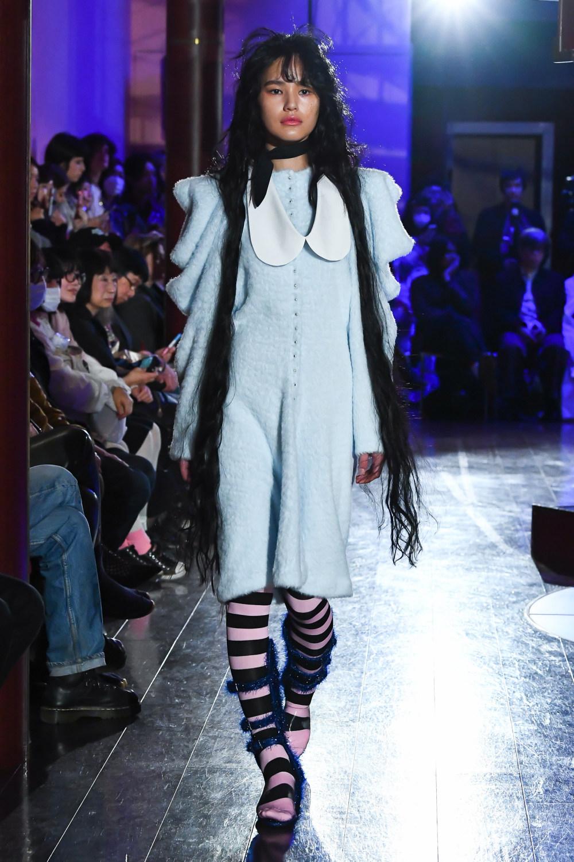 Jenny Fax时装系列搭配甜美柔和的蕾丝连衣裙搭配糖果条纹衬衫-13.jpg
