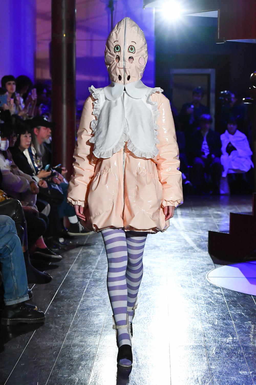 Jenny Fax时装系列搭配甜美柔和的蕾丝连衣裙搭配糖果条纹衬衫-20.jpg
