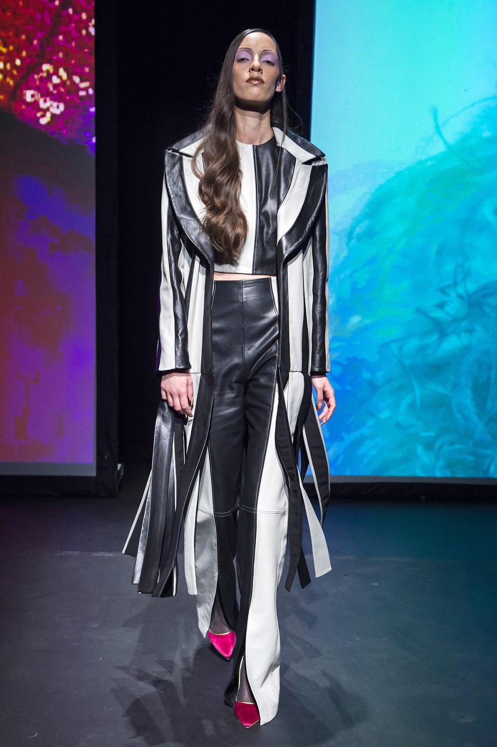 16Arlington时装系列标志性的時尚单色西装外还有更大胆的版本-2.jpg