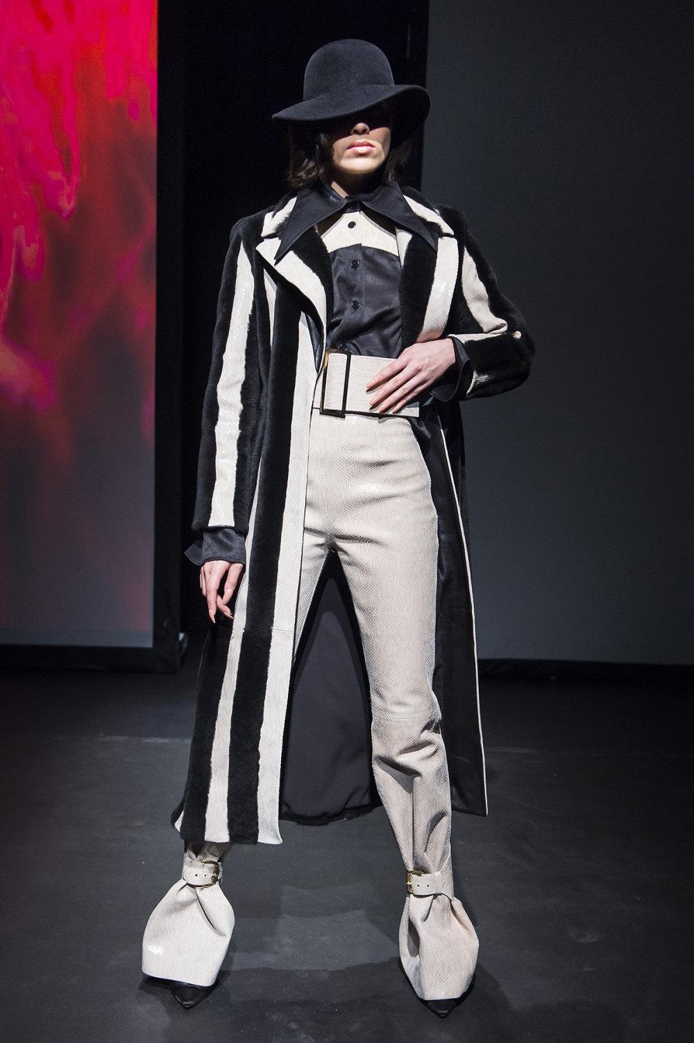 16Arlington时装系列标志性的時尚单色西装外还有更大胆的版本-4.jpg
