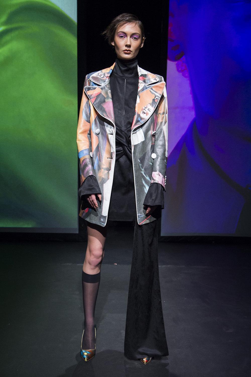 16Arlington时装系列标志性的時尚单色西装外还有更大胆的版本-5.jpg