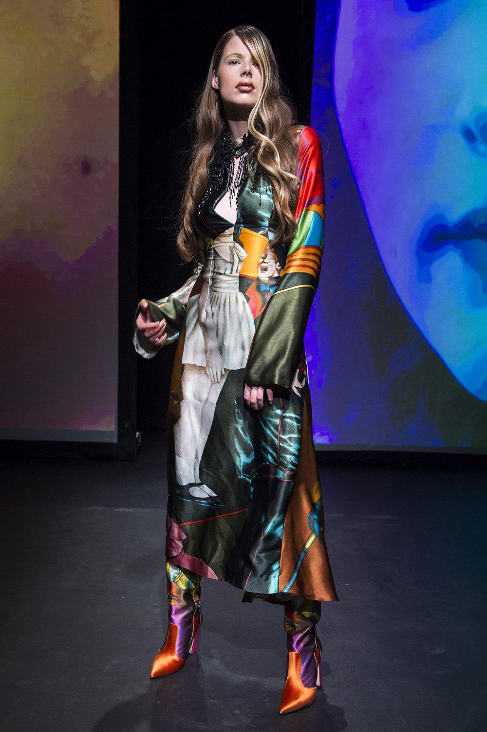 16Arlington时装系列标志性的時尚单色西装外还有更大胆的版本-17.jpg