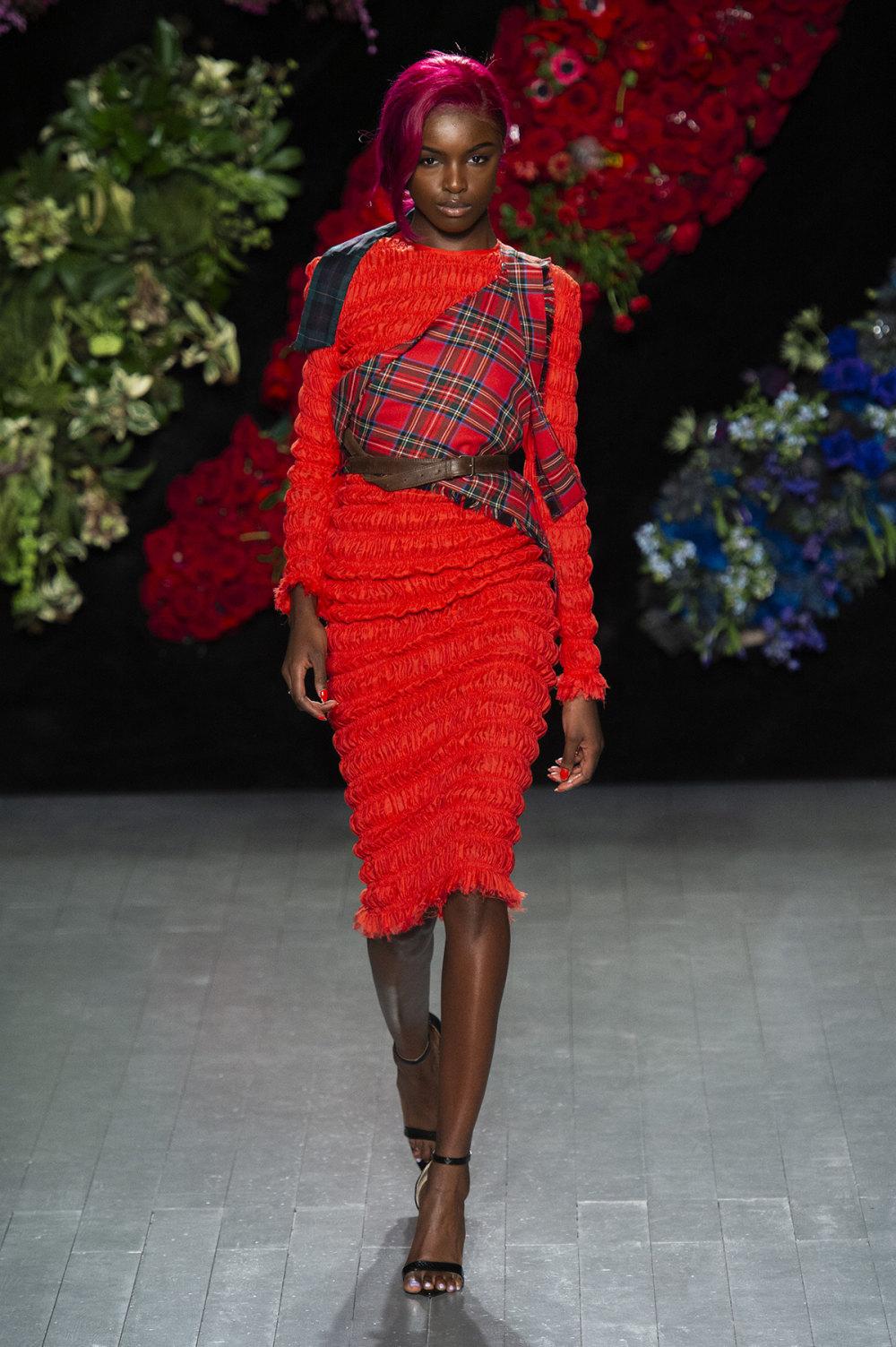 Roberta Einer时装系列格子呢西装外套收紧腰部霓虹色腰带连帽衫-2.jpg