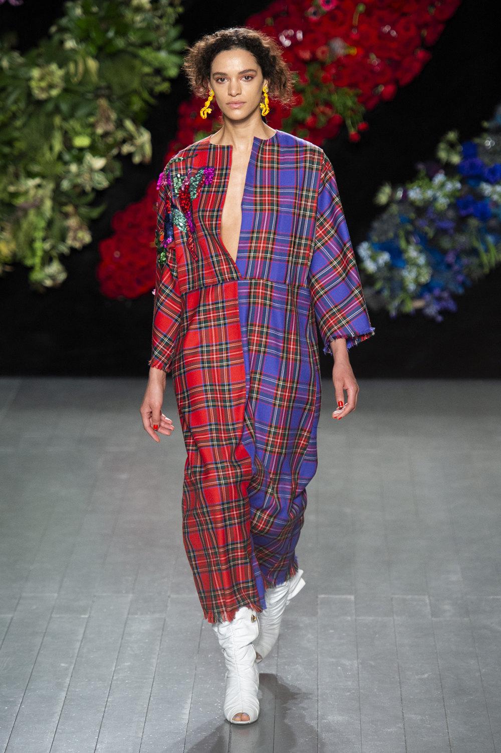 Roberta Einer时装系列格子呢西装外套收紧腰部霓虹色腰带连帽衫-12.jpg