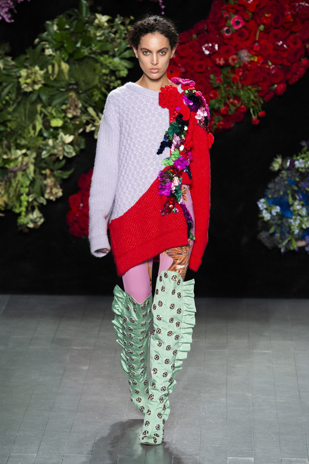Roberta Einer时装系列格子呢西装外套收紧腰部霓虹色腰带连帽衫-14.jpg
