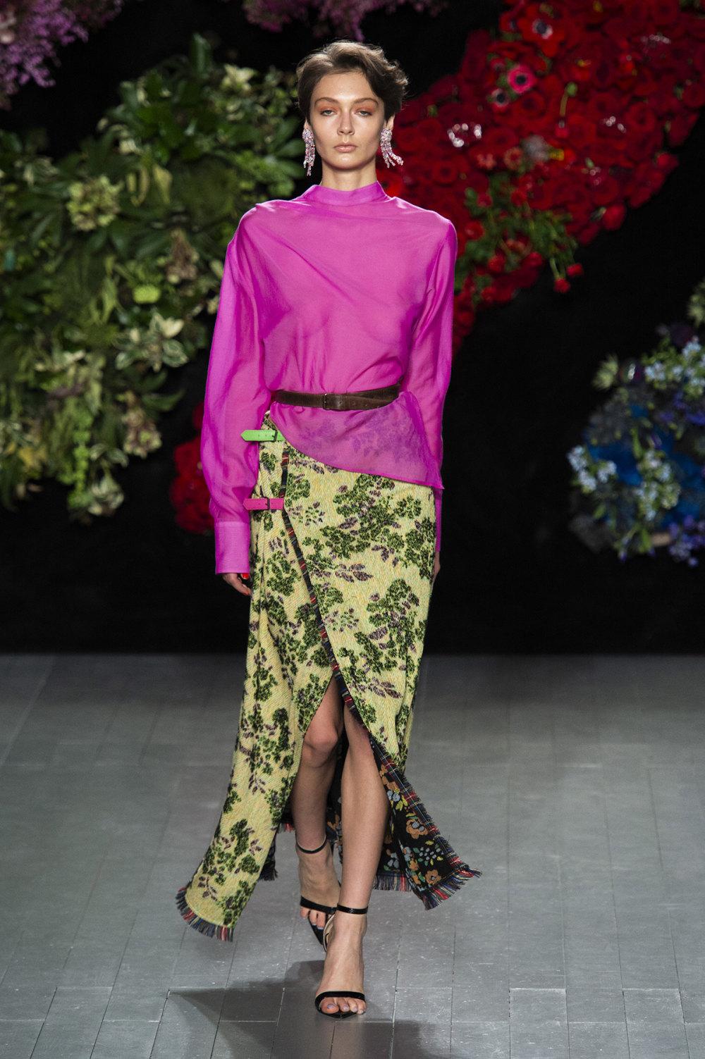 Roberta Einer时装系列格子呢西装外套收紧腰部霓虹色腰带连帽衫-16.jpg