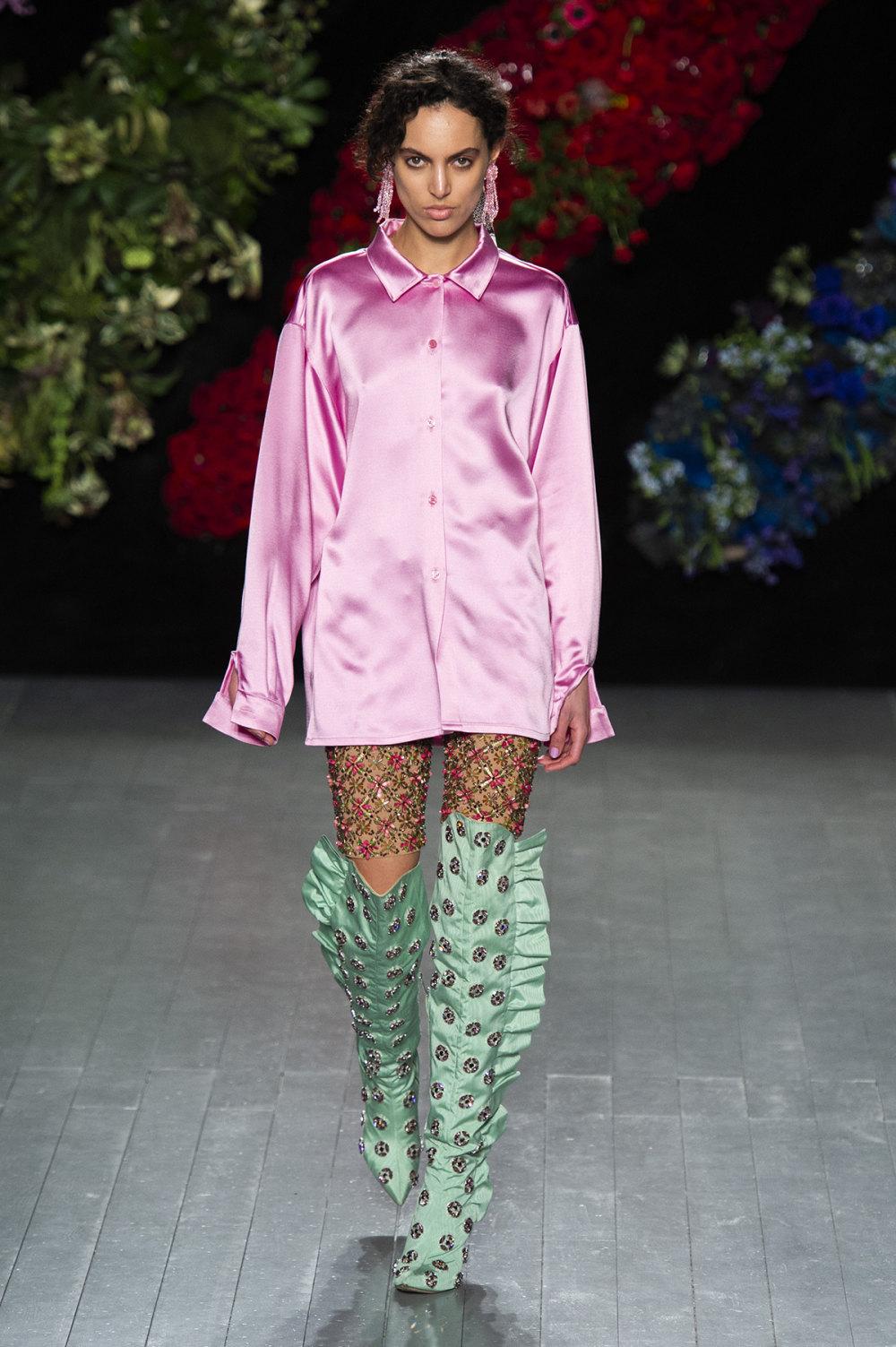 Roberta Einer时装系列格子呢西装外套收紧腰部霓虹色腰带连帽衫-26.jpg