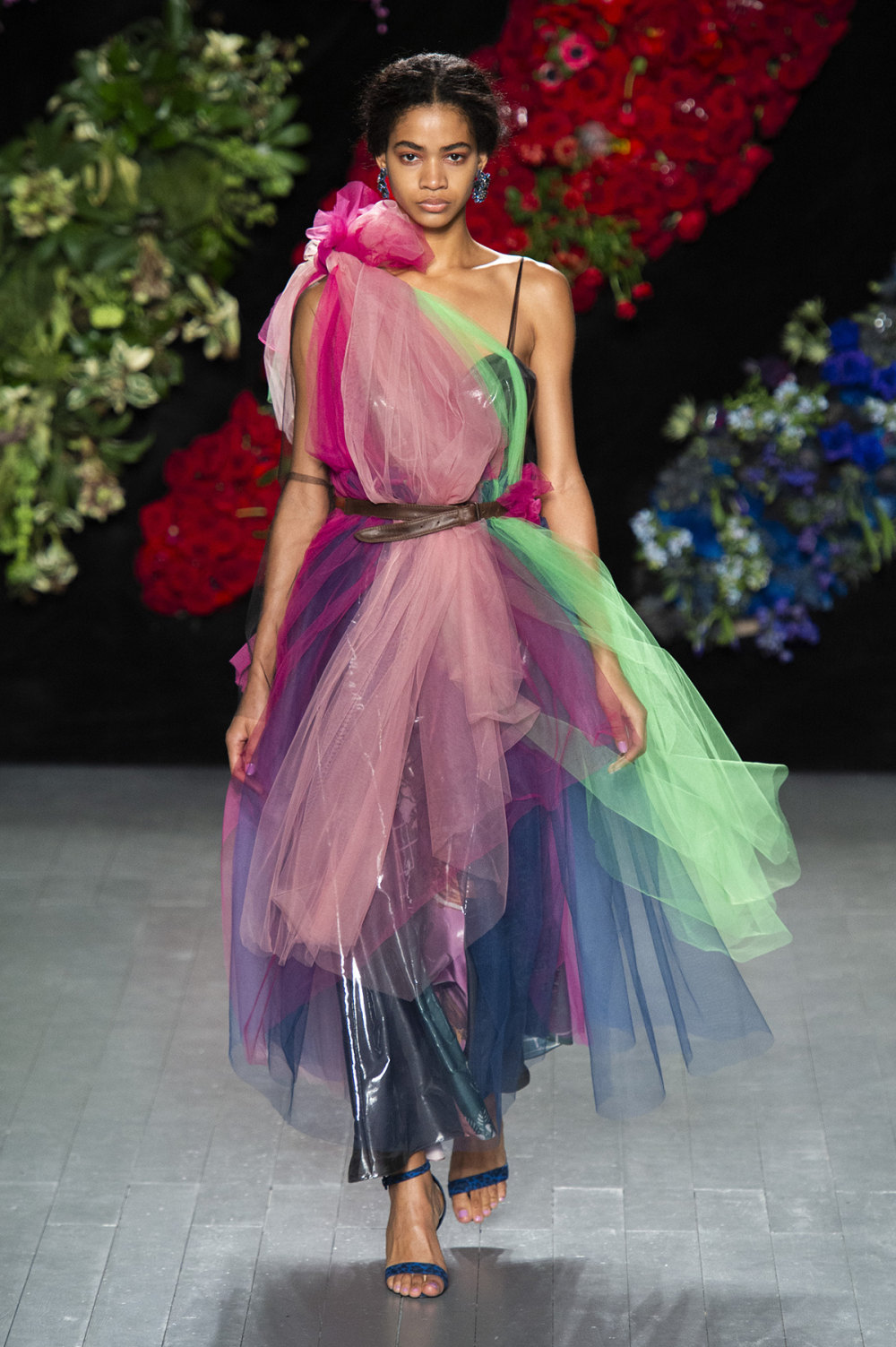 Roberta Einer时装系列格子呢西装外套收紧腰部霓虹色腰带连帽衫-27.jpg