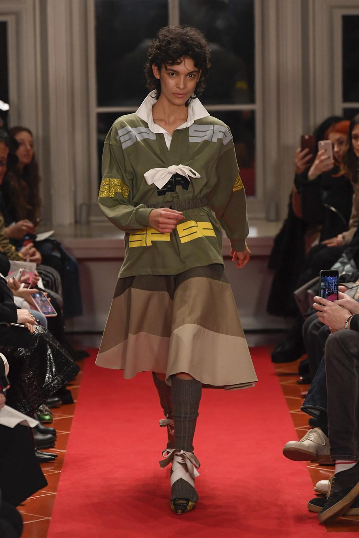 Symonds Pearmain时装系列将怀旧的英国郊区的军事魅力混合在一起-5.jpg