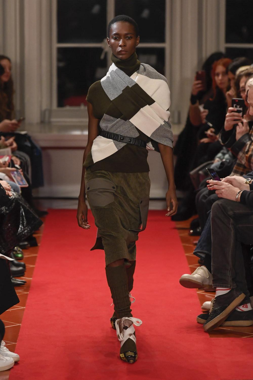 Symonds Pearmain时装系列将怀旧的英国郊区的军事魅力混合在一起-7.jpg