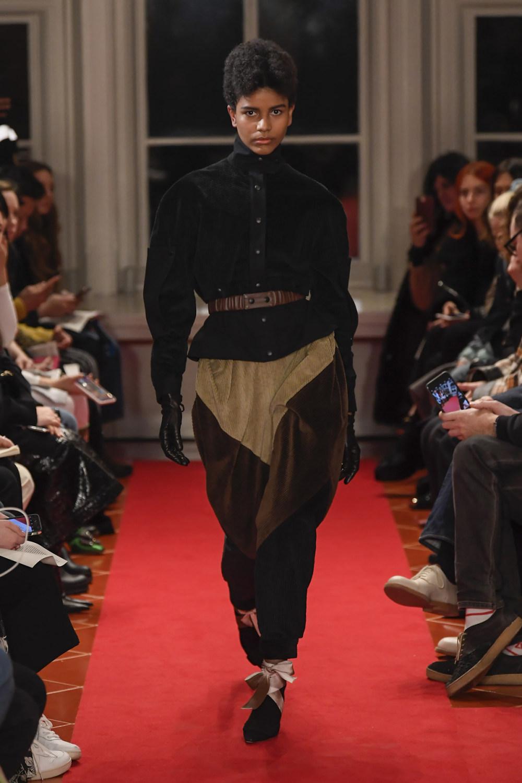 Symonds Pearmain时装系列将怀旧的英国郊区的军事魅力混合在一起-11.jpg