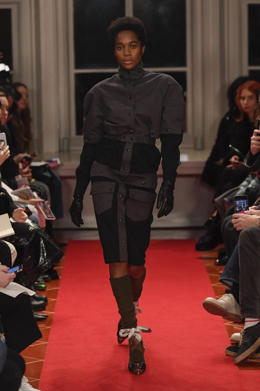 Symonds Pearmain时装系列将怀旧的英国郊区的军事魅力混合在一起-15.jpg