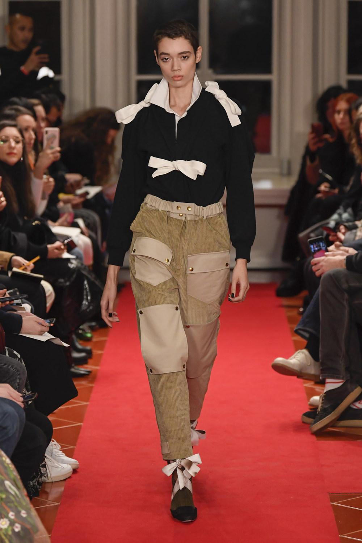 Symonds Pearmain时装系列将怀旧的英国郊区的军事魅力混合在一起-18.jpg