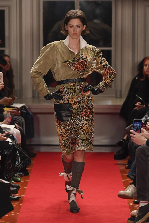 Symonds Pearmain时装系列将怀旧的英国郊区的军事魅力混合在一起-20.jpg