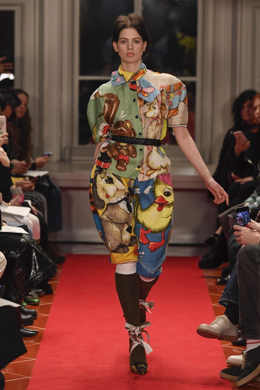 Symonds Pearmain时装系列将怀旧的英国郊区的军事魅力混合在一起-22.jpg