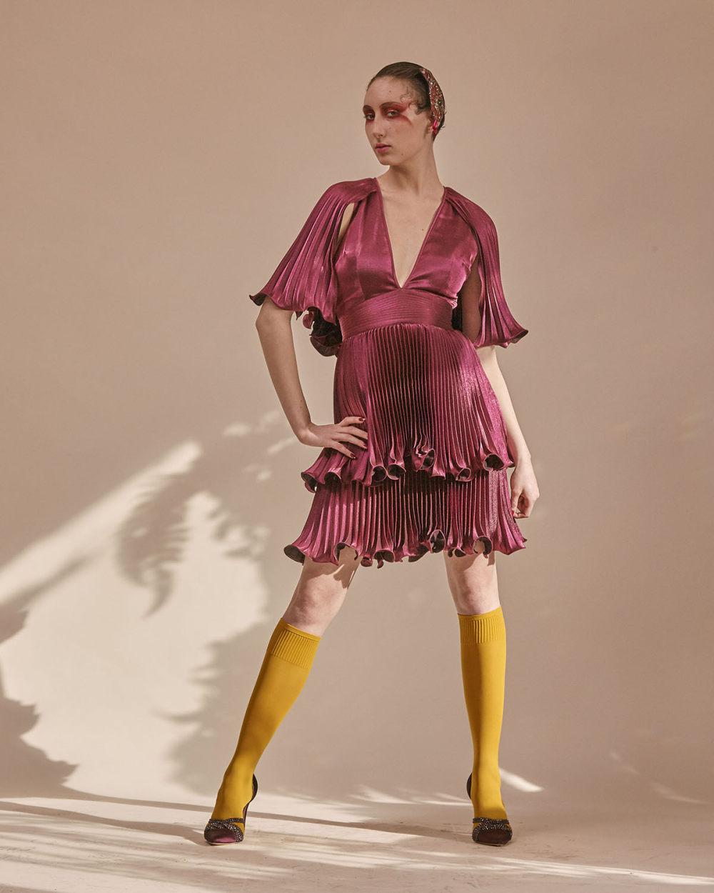 Zandra Rhodes时装系列色调温暖试图在日落前捕捉天空的颜色-13.jpg
