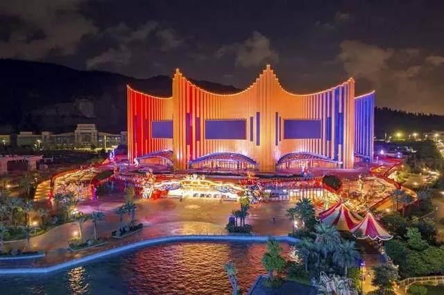 珠海新文旅地标!Stufish用舞台幕布曲线打造长隆剧院-4.jpg