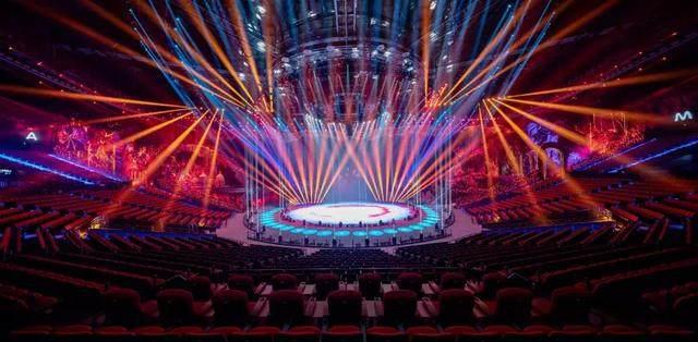 珠海新文旅地标!Stufish用舞台幕布曲线打造长隆剧院-11.jpg