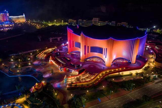 珠海新文旅地标!Stufish用舞台幕布曲线打造长隆剧院-13.jpg
