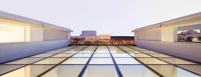 激活建築灵魂的15个天窗設計案例-10.jpg