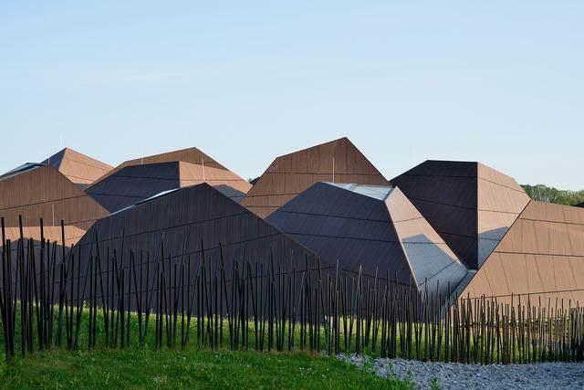 激活建築灵魂的15个天窗設計案例-11.jpg