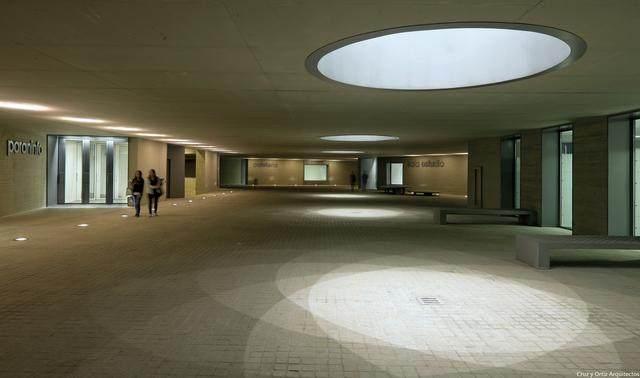 激活建築灵魂的15个天窗設計案例-25.jpg