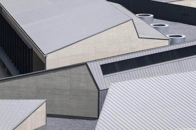 激活建築灵魂的15个天窗設計案例-26.jpg