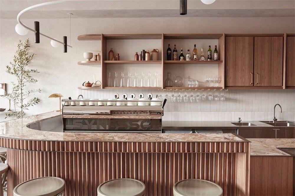 Studio Esteta | 墨尔本Via Porta熟食店_墨尔本的这家熟食店内设有石膏表面和铺砌石材地板,Studio Esteta的设计旨在反映她的意大利血统。Via Porta ...