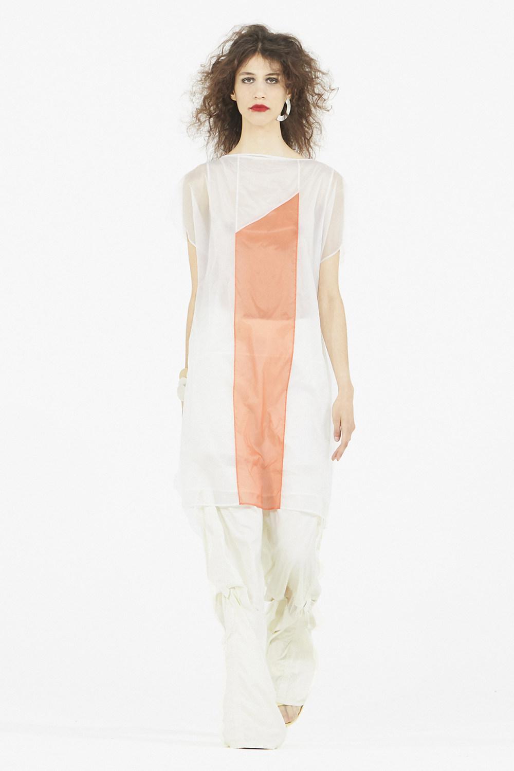 Nicolas Andreas Taralis时装系列技术织物矩形条纹被缝合在一起-5.jpg