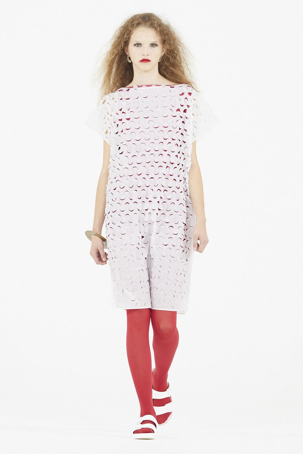Nicolas Andreas Taralis时装系列技术织物矩形条纹被缝合在一起-9.jpg
